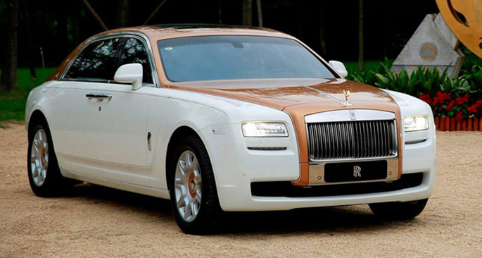 7Rolls-Royce-Ghost-Golden-S