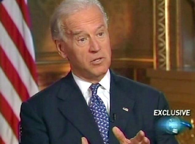 Joe Biden - phó tổng thống Hoa Kỳ thường đeo cà vạt xanh vào ngày thứ Ba