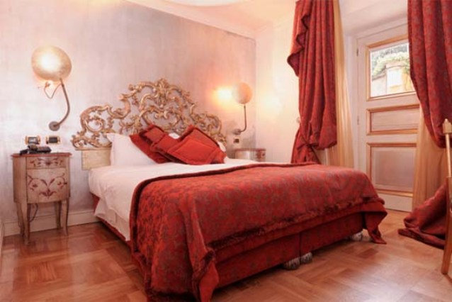 Romantic-Red-and-Pink-Bedroom-Decorating-Ideas-Image-264
