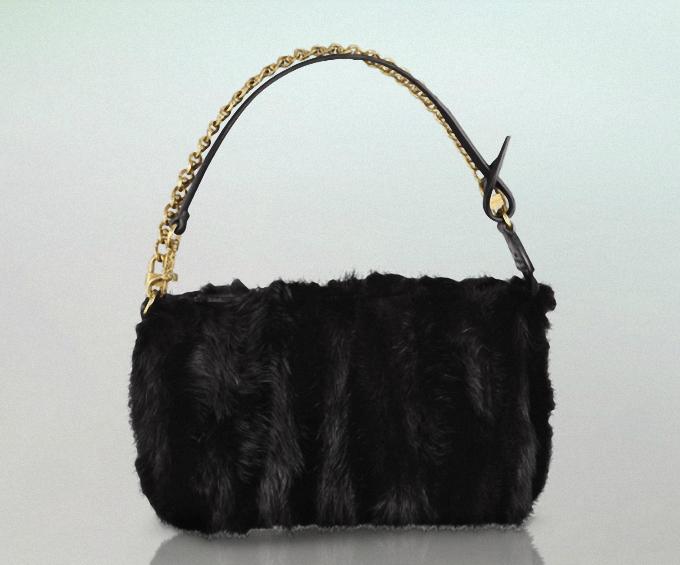 Túi lông Louis Vuitton