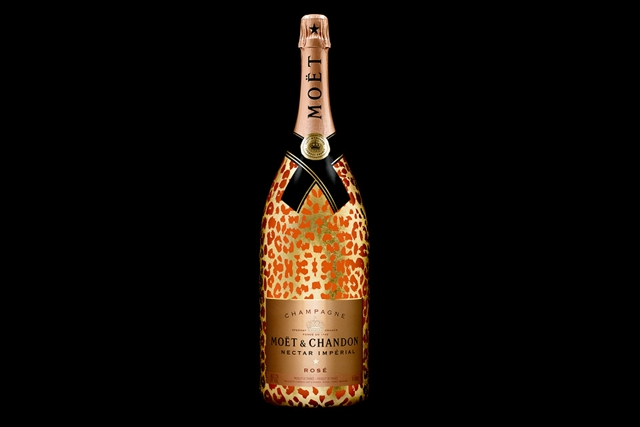 moet-chandon-unveil-the-nectar-imperial-rose-leopard-luxury-edition-in-methuselah-01-960x640