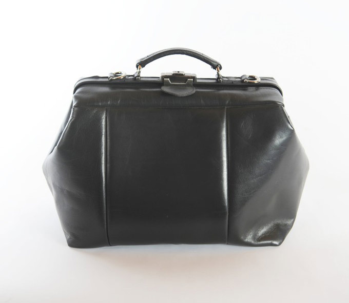 Túi doctor kiểu cổ điển