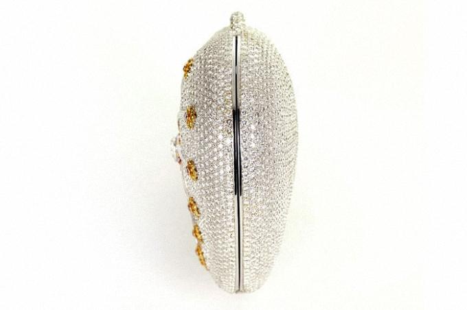 mouawad-diamond-purse_03
