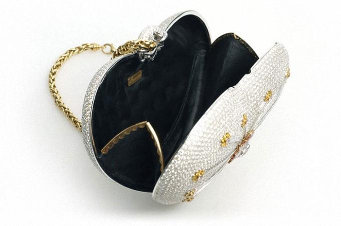 mouawad-diamond-purse_04