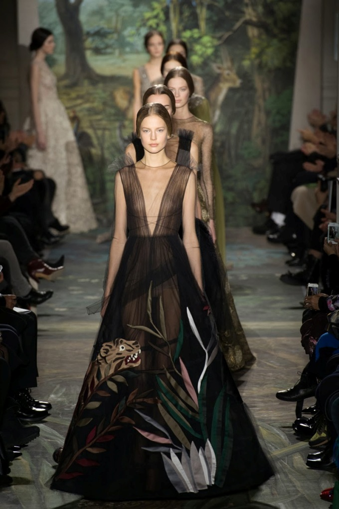 valentino-spring-2014-couture-runway-56_164053178129