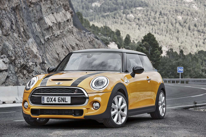2014-MINI-Cooper-S-Wallpaper