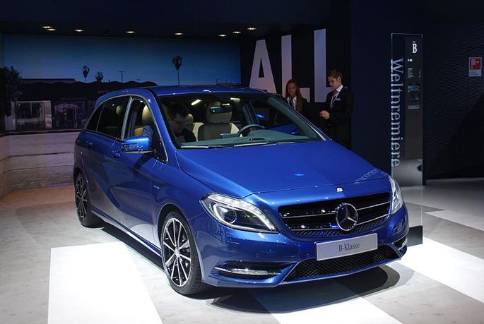 800px-Mercedes-Benz_B-Class