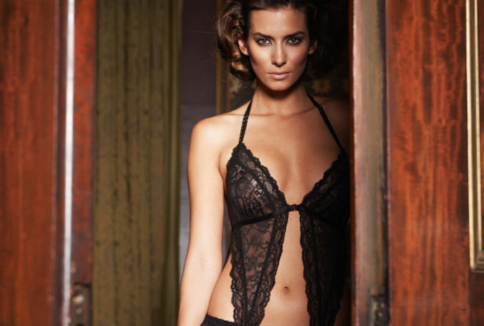 valentines-lingerie-buying-guide-for-men3