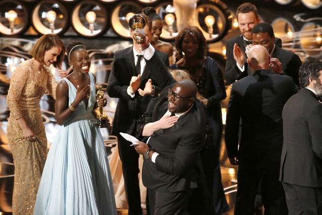 Đoàn làm phim 12 Years A Slave vui mừng với chiến thắng