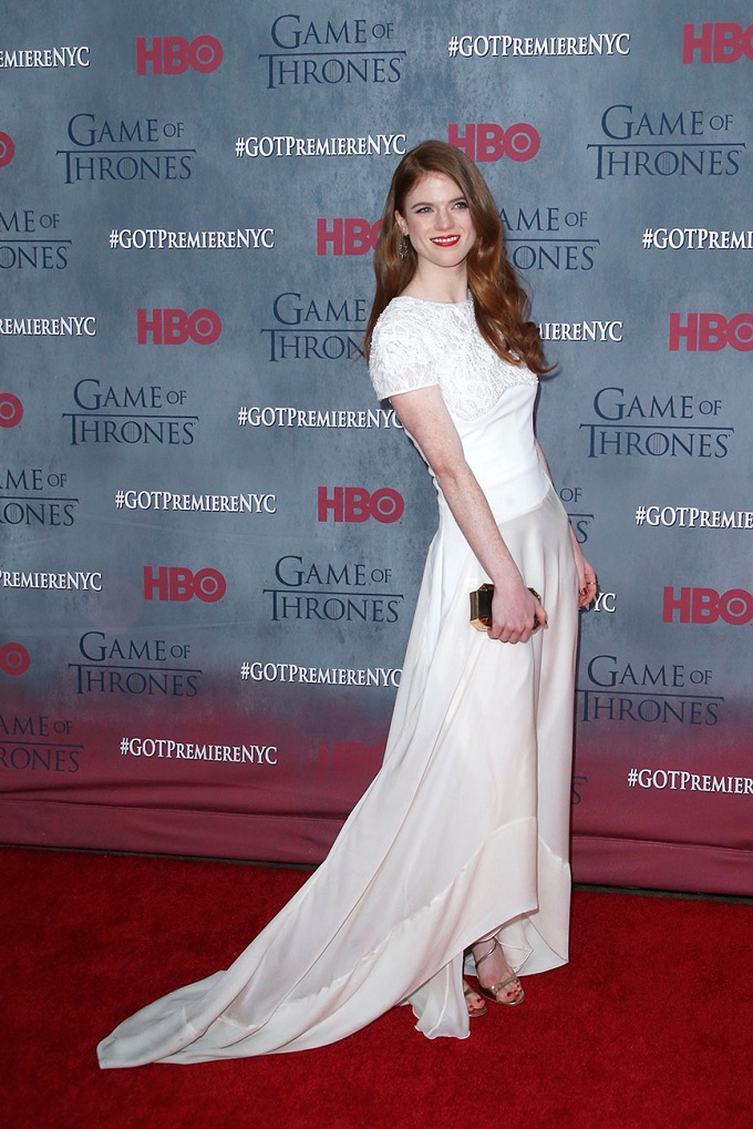 Rose Leslie trắng tin khôi trong váy Antonio Berardi