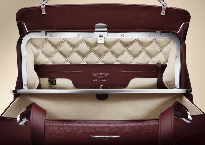 BENTLEY_BARNATO_BURGUNDY_INTERIOR_2