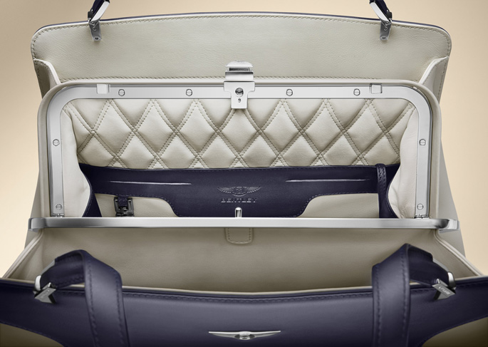BENTLEY_BARNATO_IMPERIAL_BLUE_INTERIOR_2
