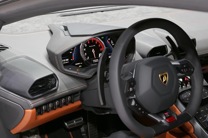 Lamborghini-Huracan11