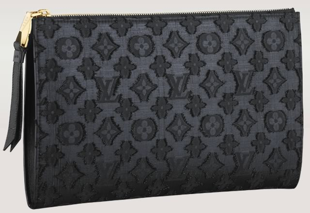 Louis-Vuitton-Flat-Zip-Pochette
