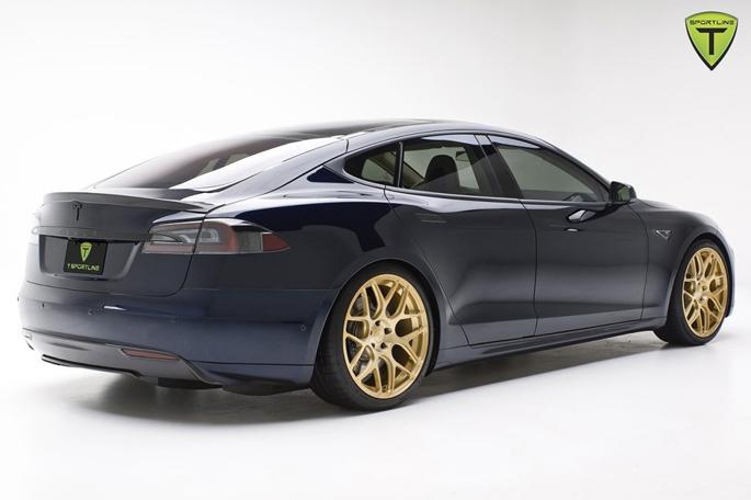 Tesla-Model-S-3-1024x682