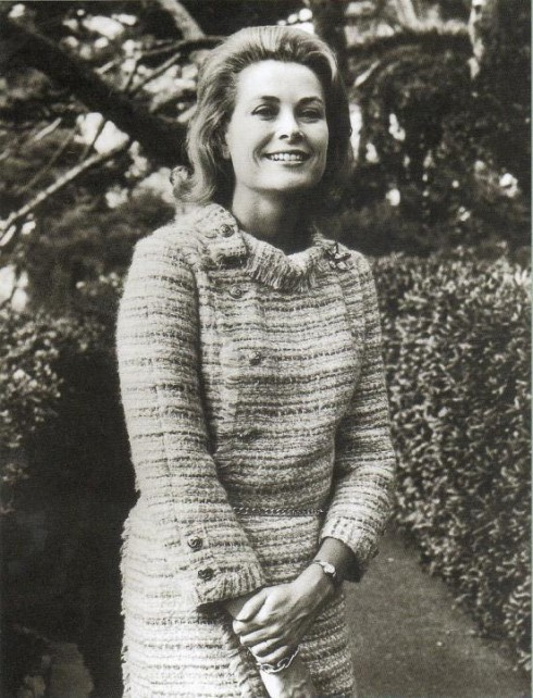 grace-kelly_in_tweed-jacket-490x642