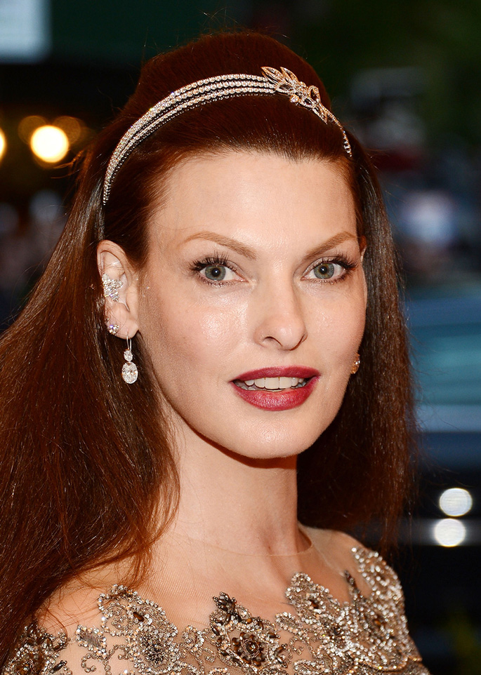 linda-evangelista-met-ball-harry-winston