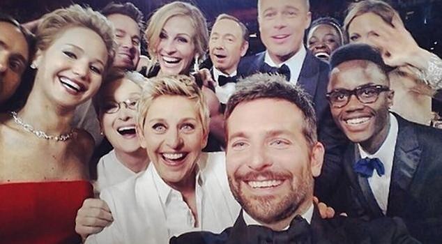 Tấm hình selfie chắc chắn đi vào lịch sử điện ảnh thế giới