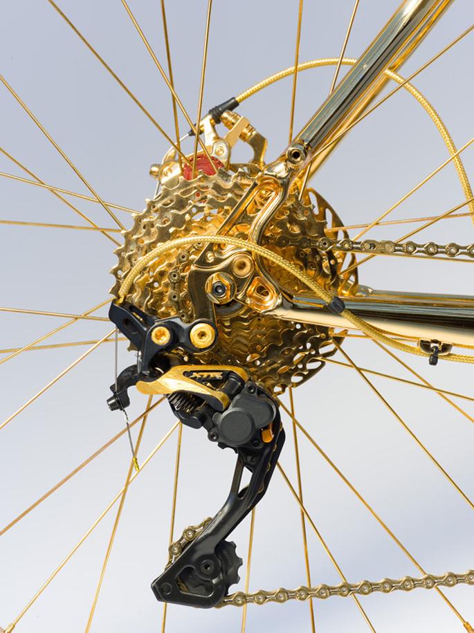 324k-gold-extreme-mountain-