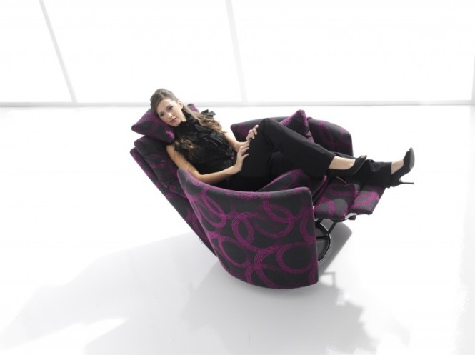 12-Stylish-modern-recliner-chair-665x497