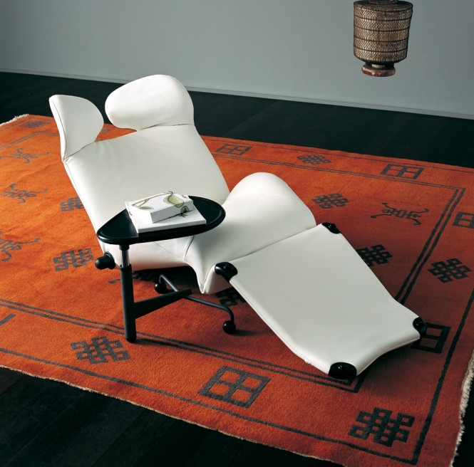 13-WINK-chair-white-relaxer-665x656