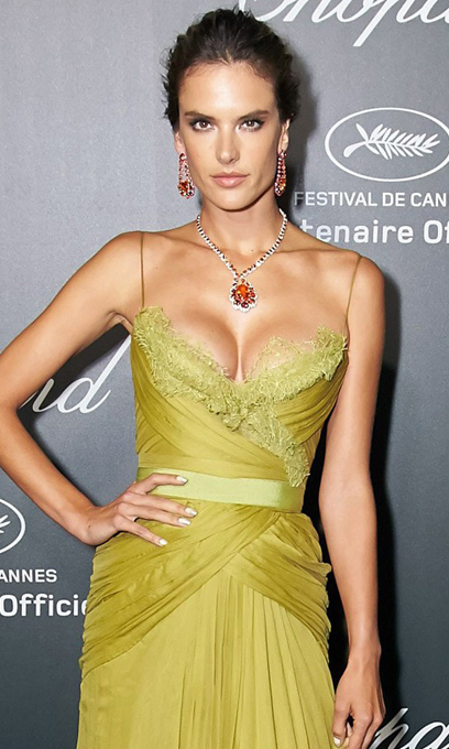 2. Alessandra Ambrosio - Elie Saab Haute Couture