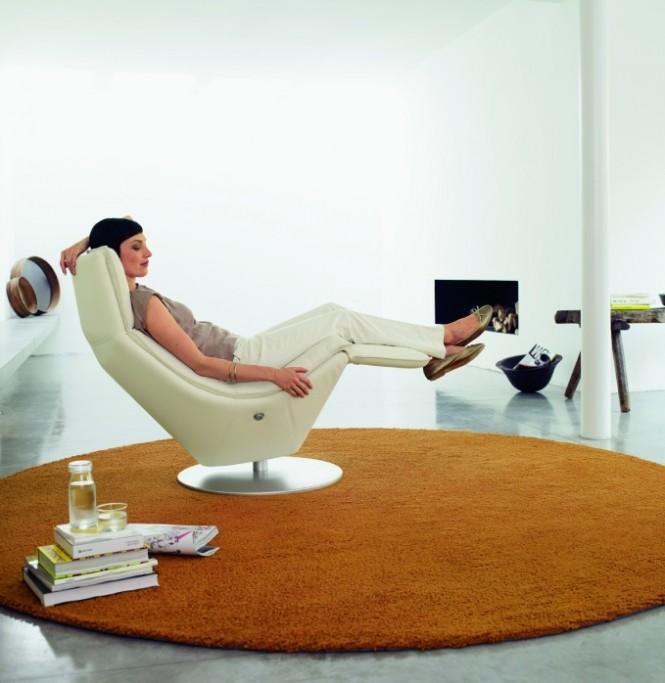 4-Cream-recliner-chair-665x683