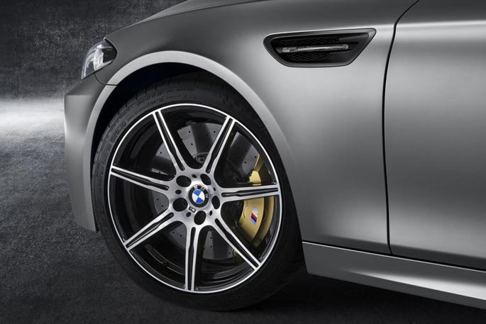 BMW-M5-30-Jahre-M54