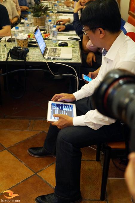 Điều khiển bằng các thiết bị cầm tay thông qua phần mềm Kinsky