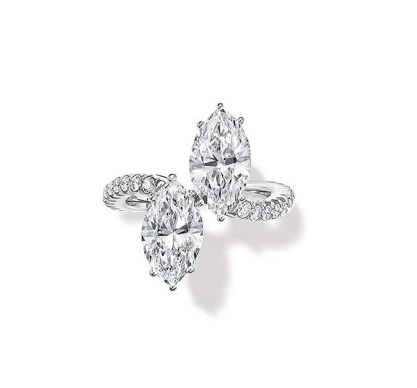 Nhẫn đính kim cương hình hạt thóc của Harry Winston