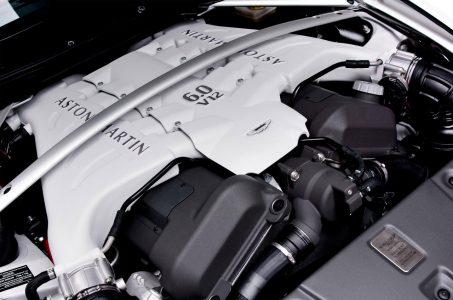 Động cơ V12 6 lít là sức mạnh của V12 Vantage S Roadster