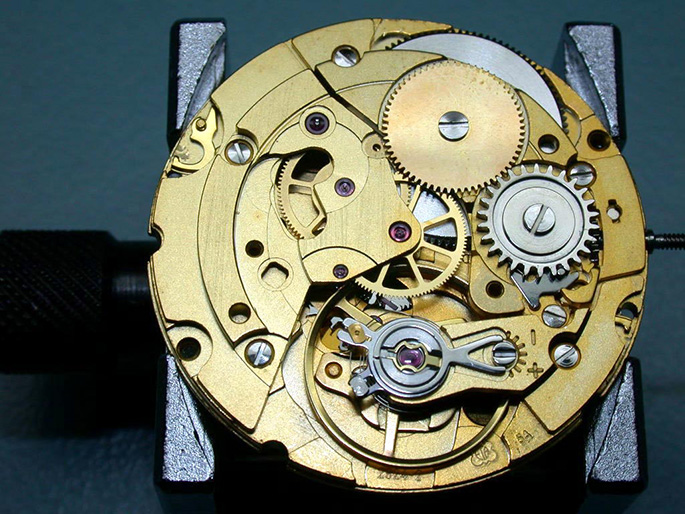 in-house-watch-movements-2824-3
