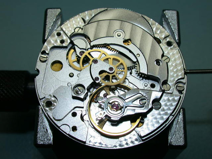 in-house-watch-movements-2892-3