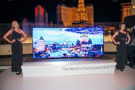 Samsung chính thức bán TV UltraHD màn hình cong 105 inch bắt đầu từ thị trường Mỹ