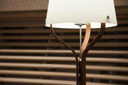 Mẫu đèn Harnais được thiết kế từ cảm hứng của chiếc yên ngựa