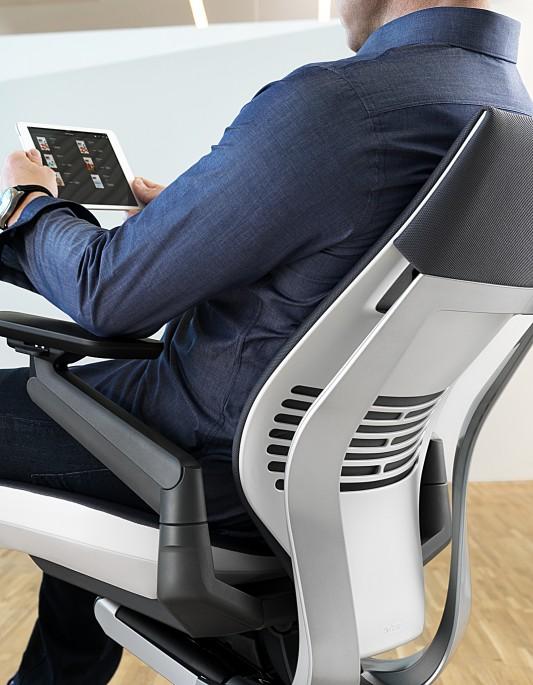 gesture-chair-07-0013