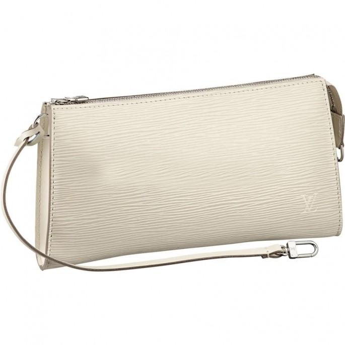 Pochette (đọc là pô-xét): túi nhỏ đựng đồ trang điểm, chìa khóa, thẻ ngân hàng hay điện thoại..., thường được cầm trên tay, đeo ở thắt lưng hoặc nằm trong túi xách. Ảnh: Pochette của Louis Vuitton