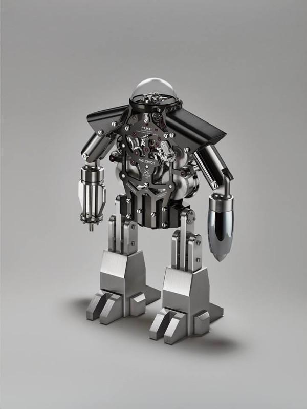 Melchior-robot-600x798