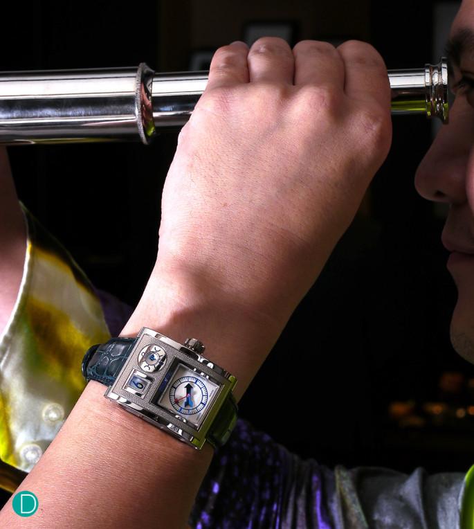 goldpfiel-vianney-wrist