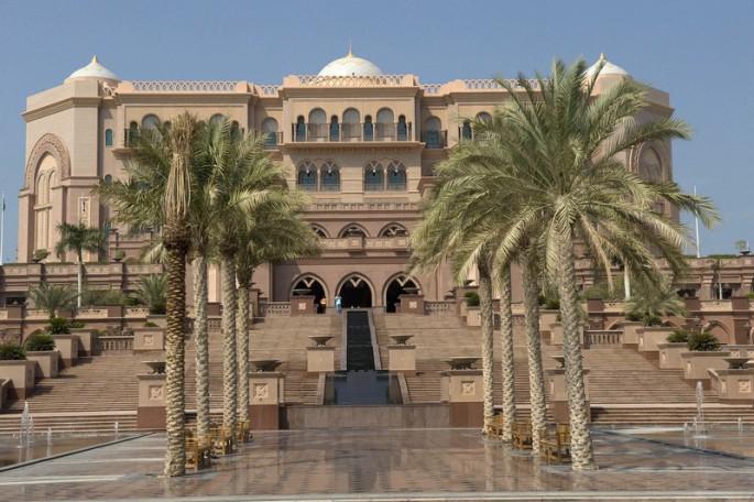 The-Emirates-Palace-in-Abu-Dhabi-